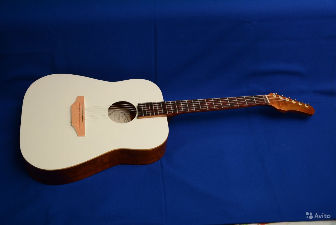 Концертная шестиструнная акустическая гитара. Саратовская область,  Саратов