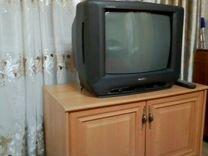 Телевизор голдстарт в хорошем состоянии+ тумбочка
