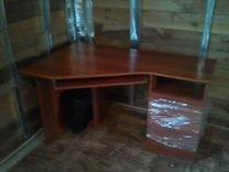 Стол для компьютера и офиса