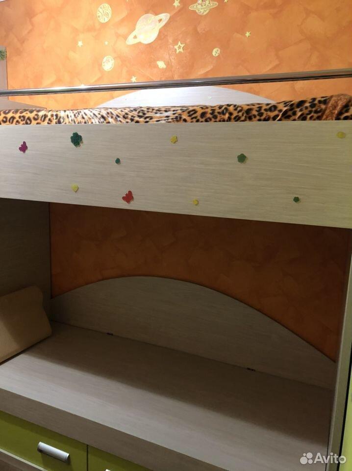 Продаю двухъярусную кровать и шифоньер 89272972965 купить 2